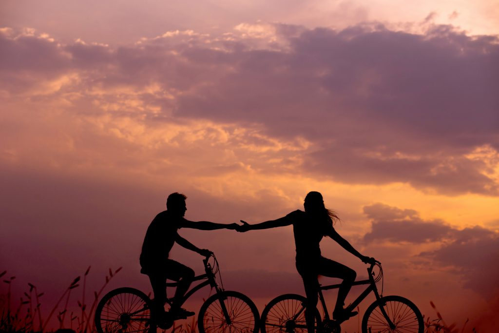 coppia bici everton-vila-140207-unsplash