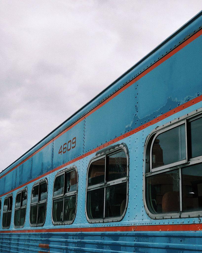 treno emir-saldierna-1207481-unsplash