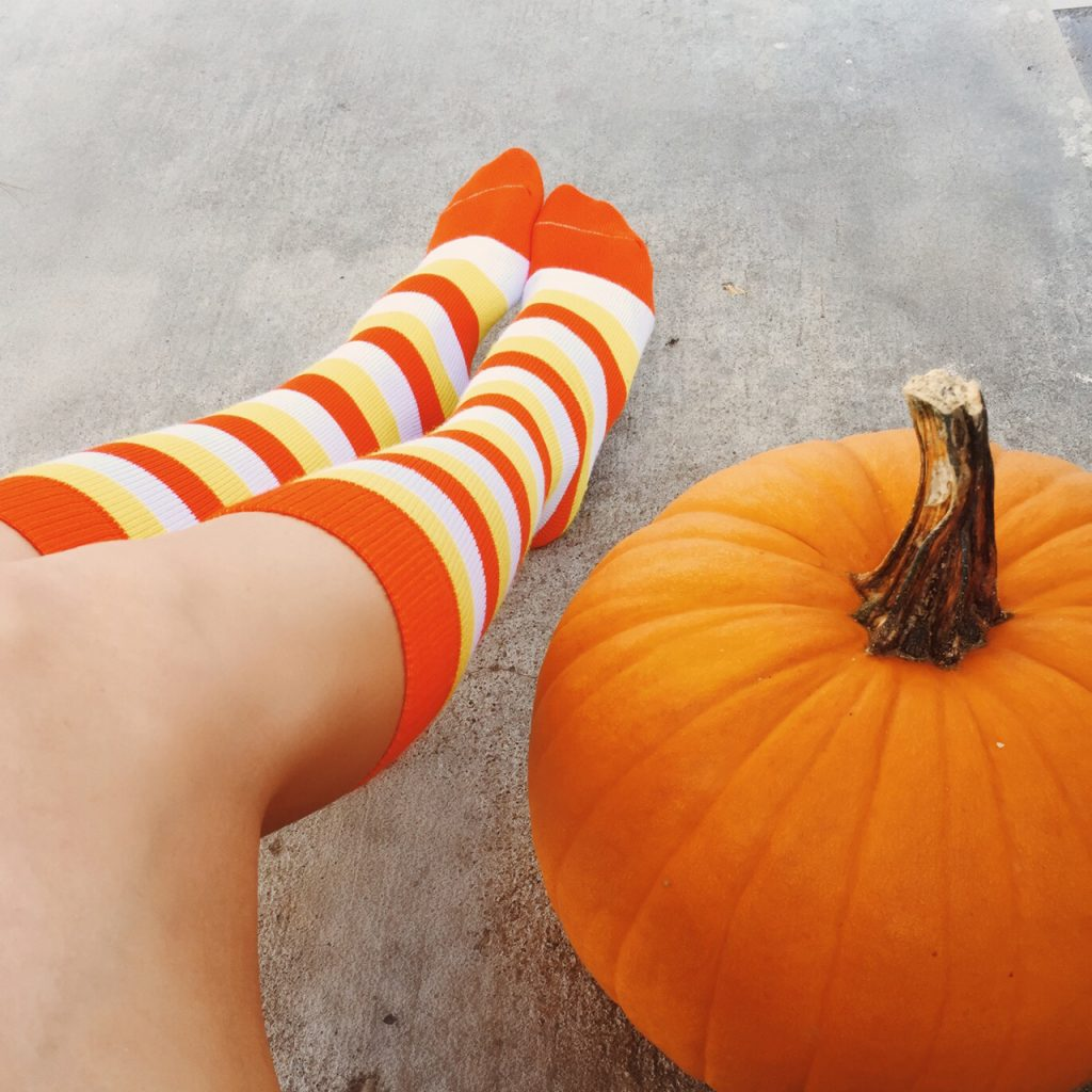candy_corn_socks_1__24925.1452614988.1280.1280